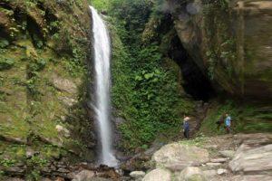 पर्यटकीय तथा धार्मिकस्थलमा पर्यटकको आकर्षण